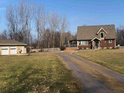 Hillsdale Single Family Home For Sale: 3310 Lilac Rd