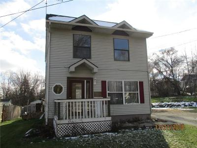 Single Family Home For Sale: 337 Madison St