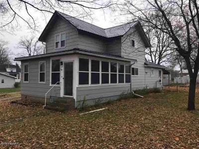 Single Family Home For Sale: 113 E Sprague St