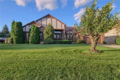 Farmington Hill Single Family Home For Sale: 38006 River Bend