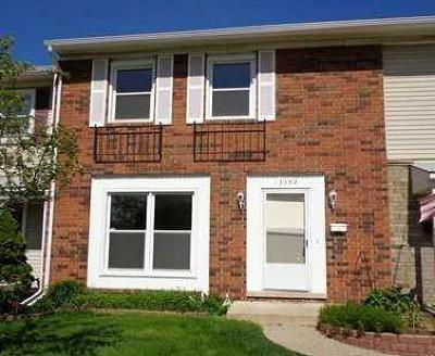 Condo/Townhouse For Sale: 13332 Lake Point Blvd