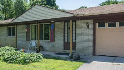 South Lyon Single Family Home For Sale: 11940 Post Lane