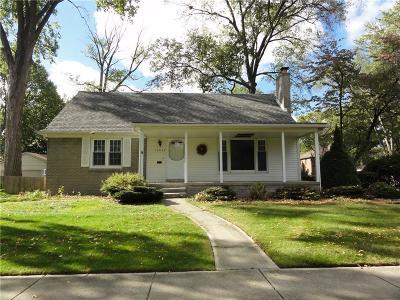 Livonia Single Family Home For Sale: 11037 Blackburn St