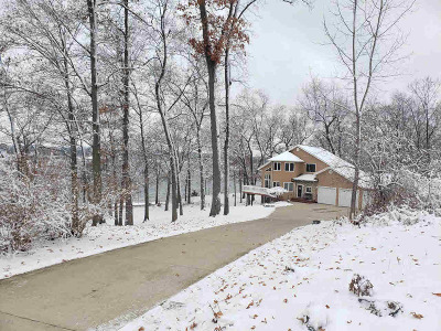Osseo Single Family Home For Sale: 2630 Winona Dr