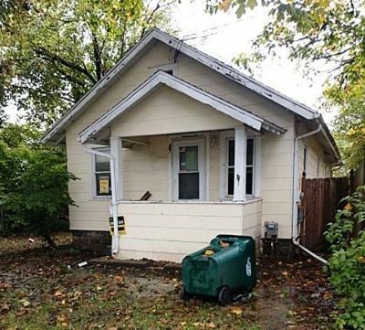 Lansing Single Family Home For Sale: Vance St