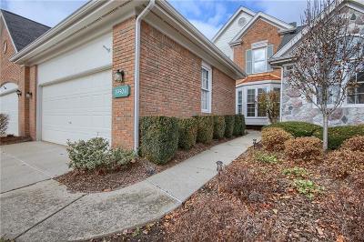 Northville Condo/Townhouse For Sale: 39504 Village Run Dr