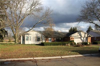 Farmington Hill Single Family Home For Sale: 30646 Charleston Crt