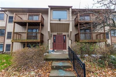 Farmington Hill Condo/Townhouse For Sale: 30056 W 12 Mile Rd