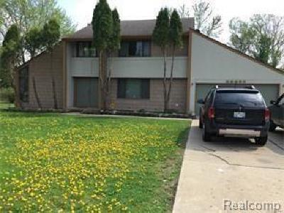 Farmington Hill Single Family Home For Sale: 28057 W Eleven Mile Rd