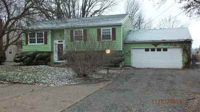 Single Family Home For Sale: 3044 Smith