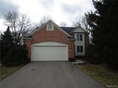 West Bloomfield Condo/Townhouse For Sale: 7060 Quail Run