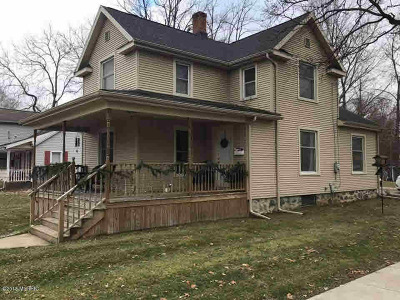 Hillsdale Single Family Home Contingent - Financing: 224 E Bacon St