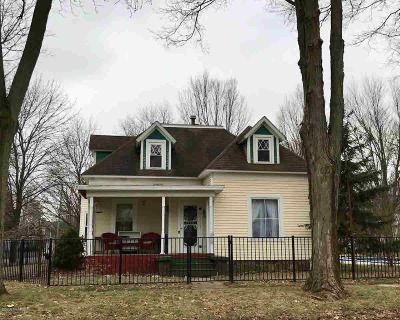Branch County Single Family Home For Sale: 200 Hull St
