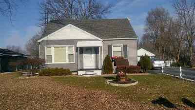 Lenawee County Single Family Home Contingent - Financing: 2094 Allan