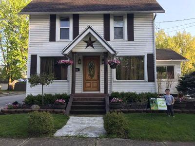 Lenawee County Single Family Home For Sale: 102 E Stephenson St