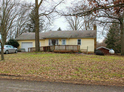 Osseo Single Family Home For Sale: 6003 Lake Rd