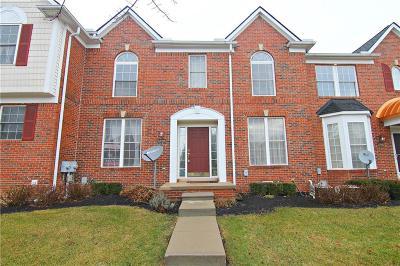 Novi Condo/Townhouse For Sale: 41706 Brownstone Dr