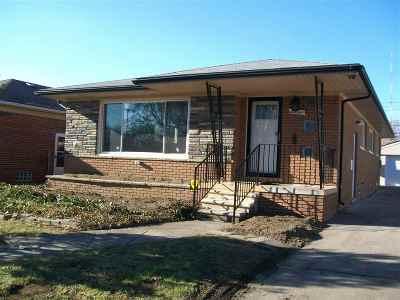 Oak Park Single Family Home For Sale: 23141 Avon Rd