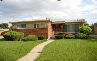 Oak Park Single Family Home For Sale: 14401 W Lincoln St
