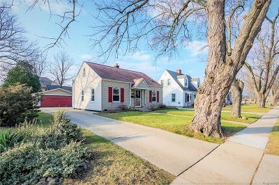 Plymouth Single Family Home For Sale: 701 Auburn St