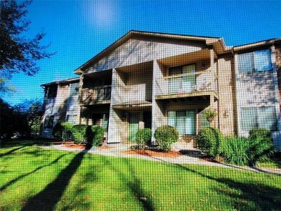 Farmington Hill Condo/Townhouse For Sale: 24050 Middlebelt Rd