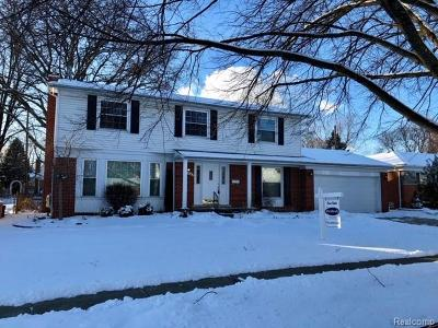 Livonia Single Family Home For Sale: 15661 Huff St