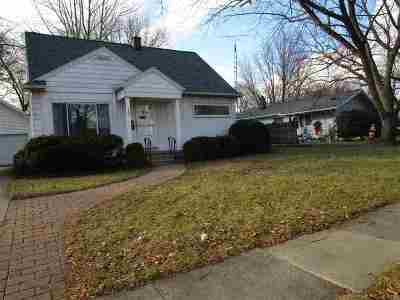 Lenawee County Single Family Home Contingent - Financing: 707 Wenonah