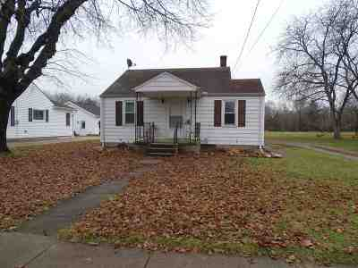 Lenawee County Single Family Home For Sale: 220 W Patterson