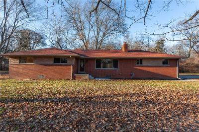 Southfield Single Family Home For Sale: 23356 Ranch Hill Dr W