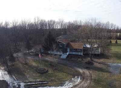 South Lyon Single Family Home For Sale: 1896 Pheasant Run