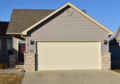 Lenawee County Condo/Townhouse For Sale: 576 Ridge Lane