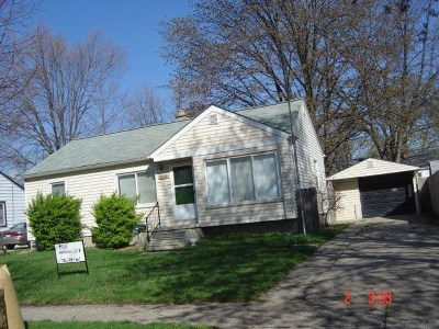 Single Family Home For Sale: 679 Chippewa