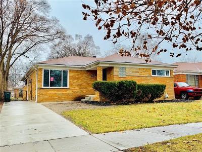 Oak Park Single Family Home For Sale: 22111 Stratford St
