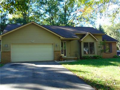 Single Family Home For Sale: 11656 N Main St