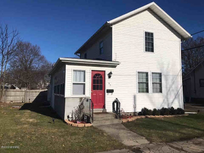 Hillsdale Single Family Home For Sale: 63 E Sharp St