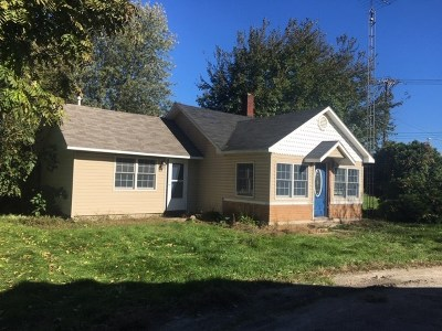 Single Family Home For Sale: 118 W Petersburg
