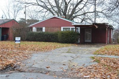 Single Family Home For Sale: 1814 Briarwood Dr