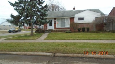 Single Family Home For Sale: 18040 Marquette