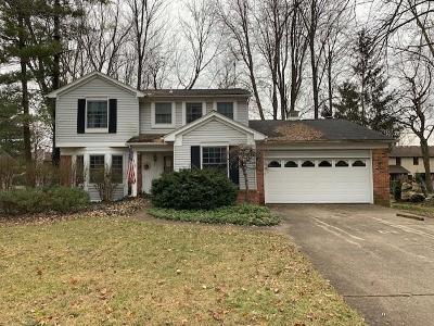 Livonia Single Family Home For Sale: 34043 Bretton Dr