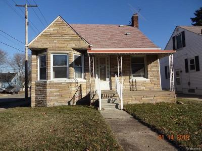 Single Family Home For Sale: 1090 Mill St