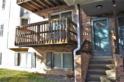 Plymouth Condo/Townhouse For Sale: 204 Pinewood Cir