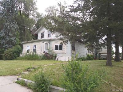 Single Family Home For Sale: 634 W Grand River Ave