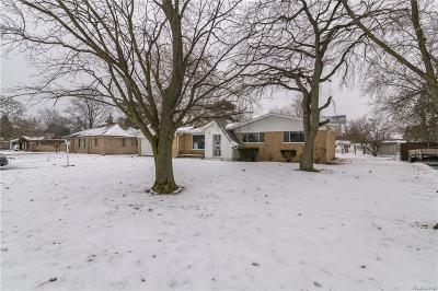 Single Family Home For Sale: 4605 Hepburn Pl