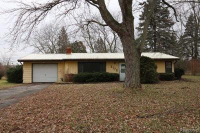 Single Family Home For Sale: 3170 Davison Rd