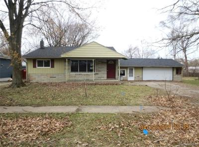 Single Family Home For Sale: 620 Gill St