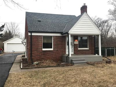 Livonia Single Family Home For Sale: 11943 Newburgh Rd