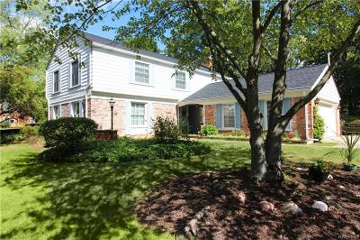 West Bloomfield Single Family Home For Sale: 5847 Red Coat Ln