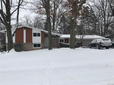 West Bloomfield Single Family Home For Sale: 4151 Iverness Ln