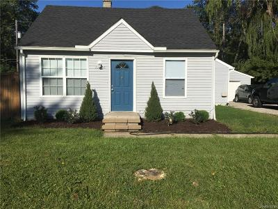 Farmington Hill Single Family Home For Sale: 22705 Albion Ave