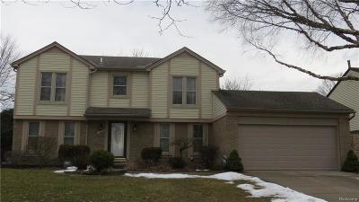 Livonia Single Family Home For Sale: 33940 Carl Dr